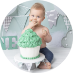 Scandinavisch r thema groen cake smash fotoshootThema Cake Smash baby 1 jaar